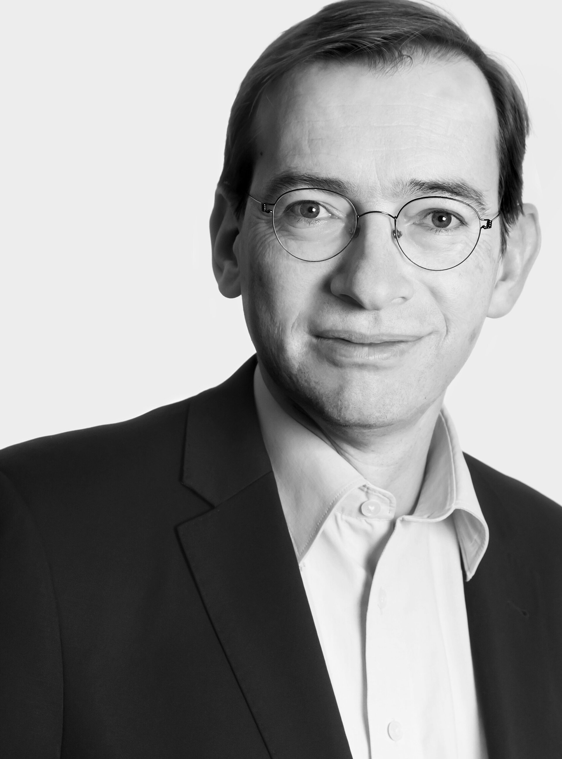 Dr. Ulrich  Reber