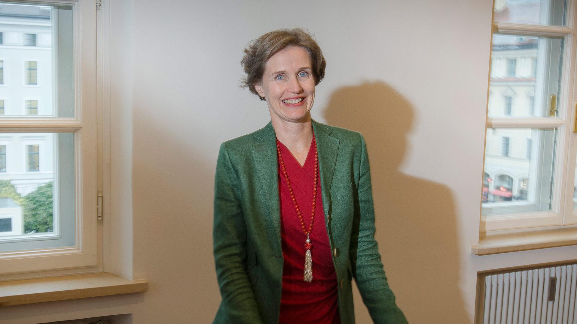 Dr. Dorothee  Altenburg