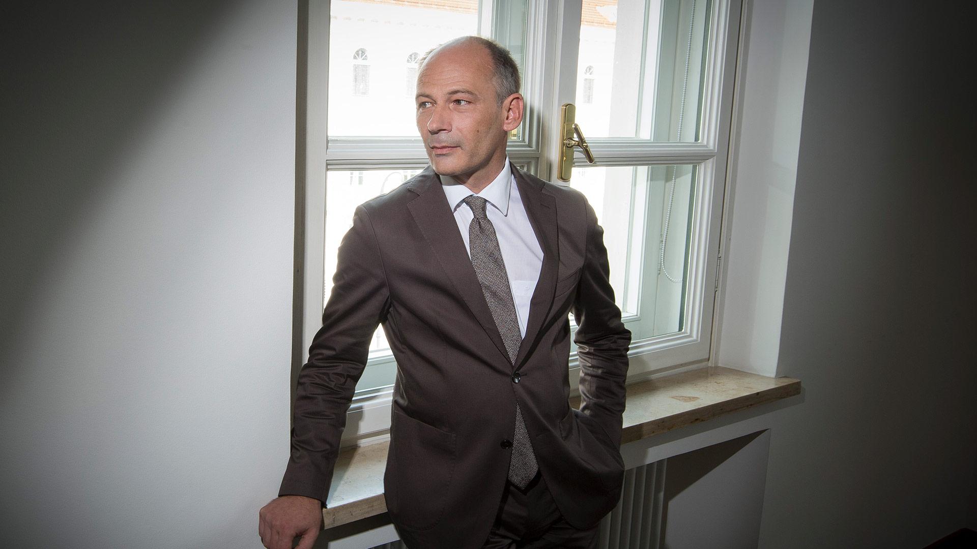Dr. Ulrich  Fuchs