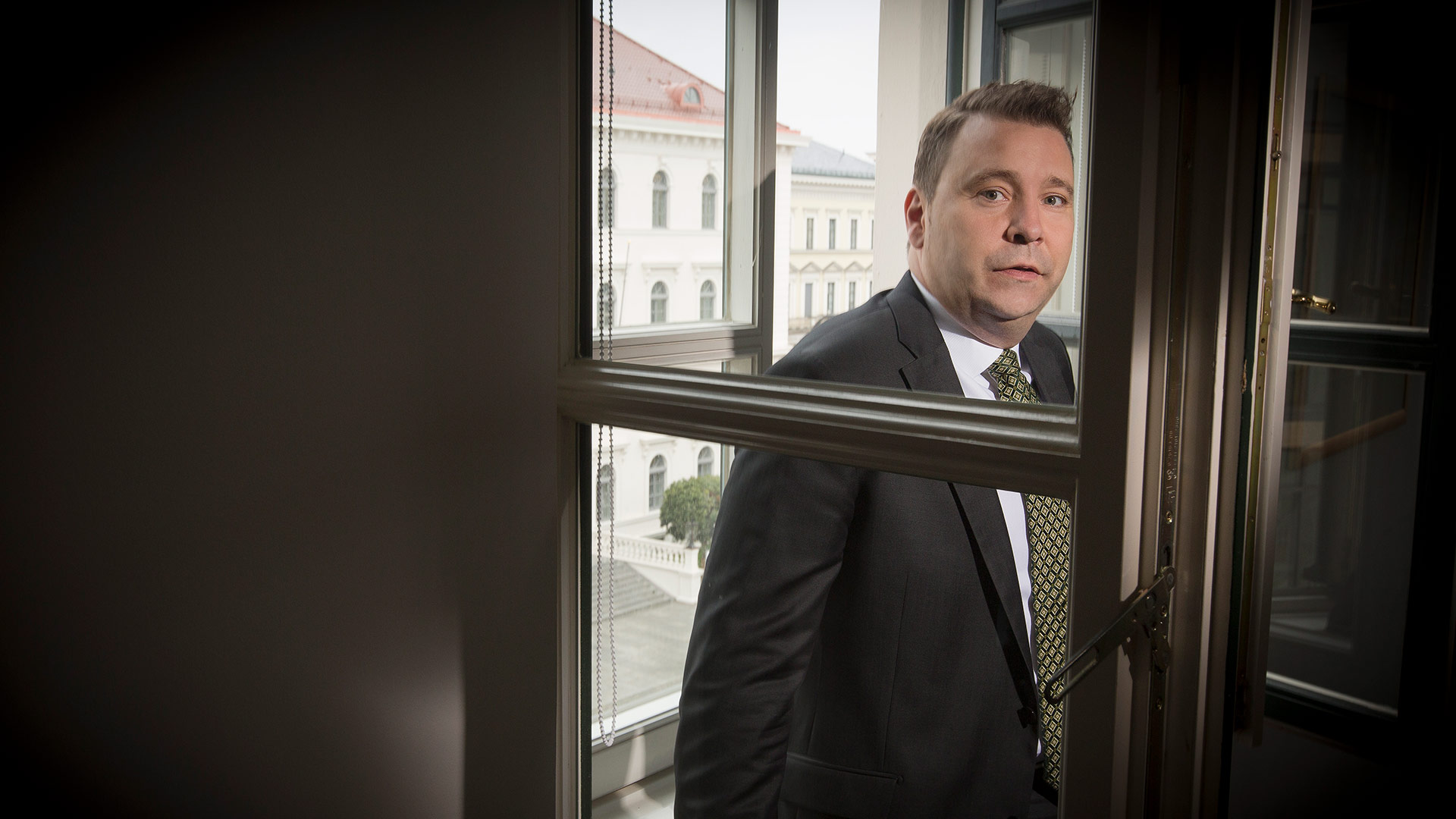 Dr. Martin  Greßlin