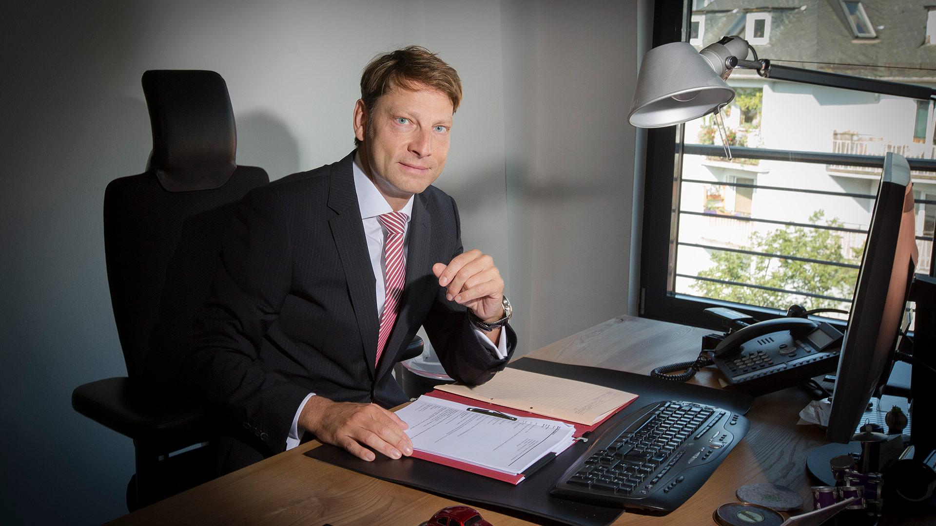 Dr. Magnus  Hirsch