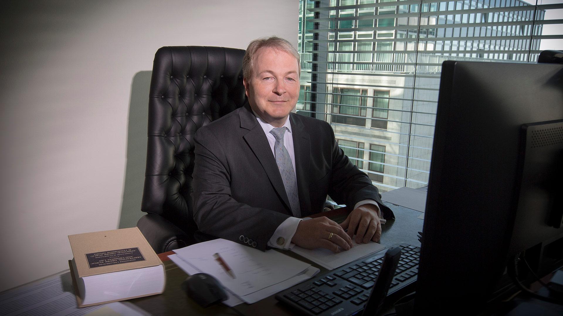 Dr. Klaus  Jankowski