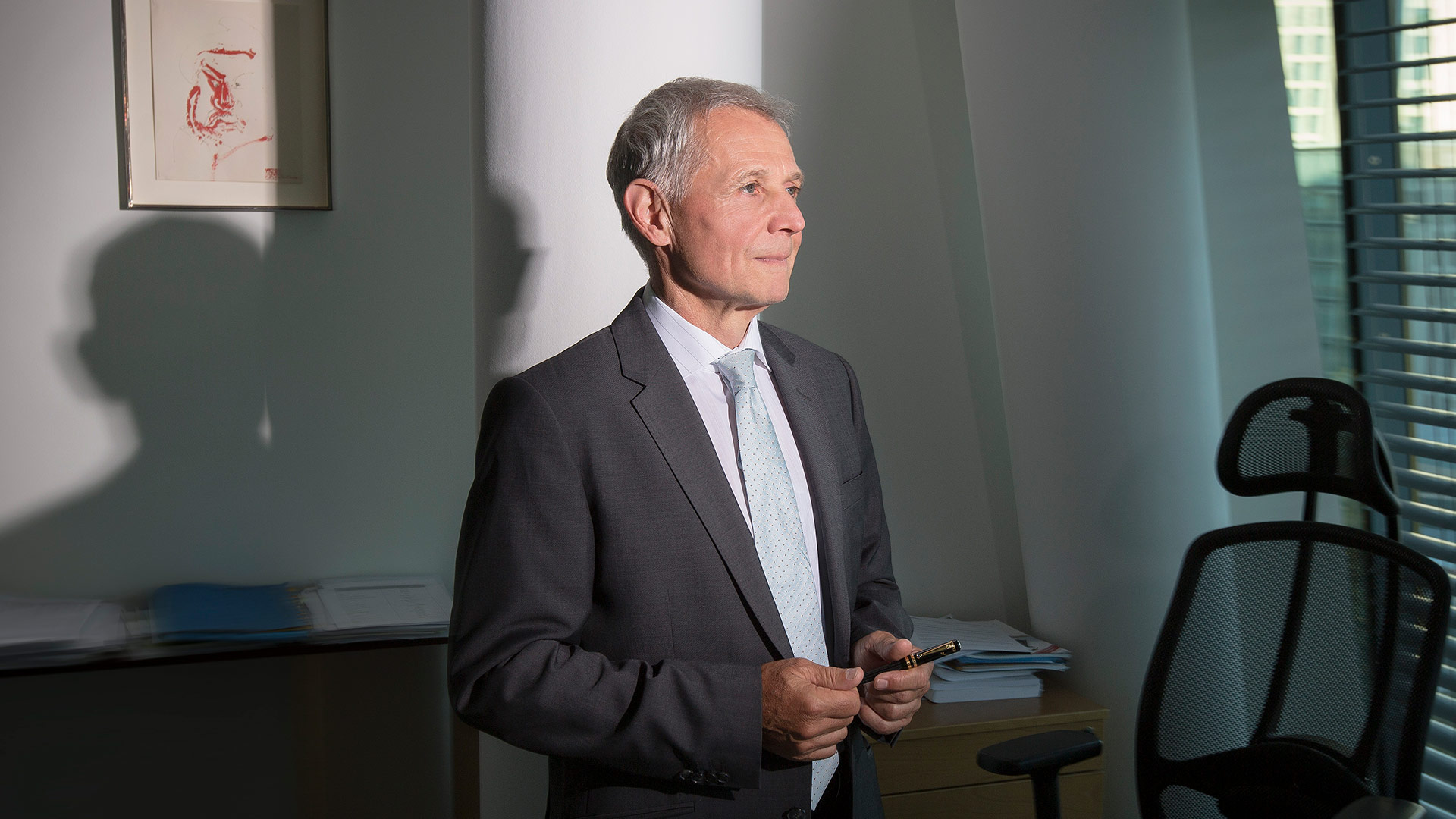 Dr. Eberhard  Kromer