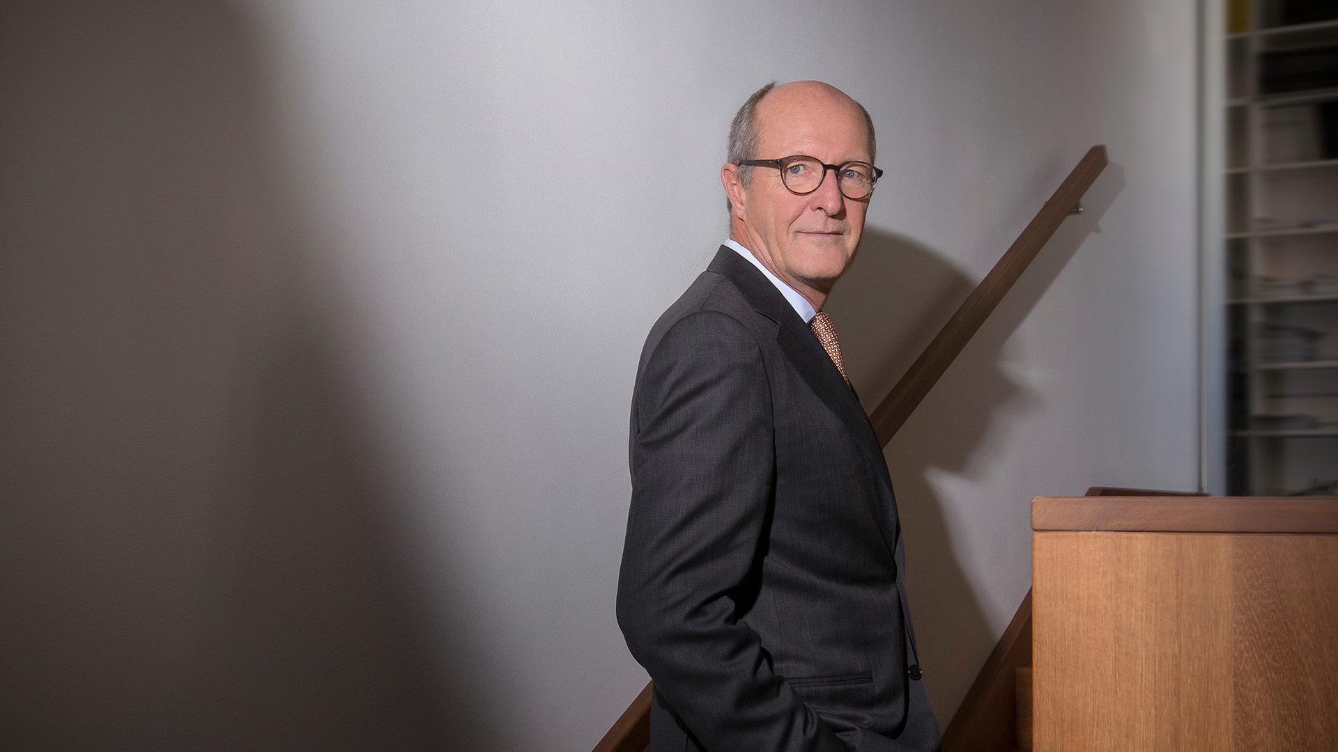 Prof. Dr. Mathias  Schwarz