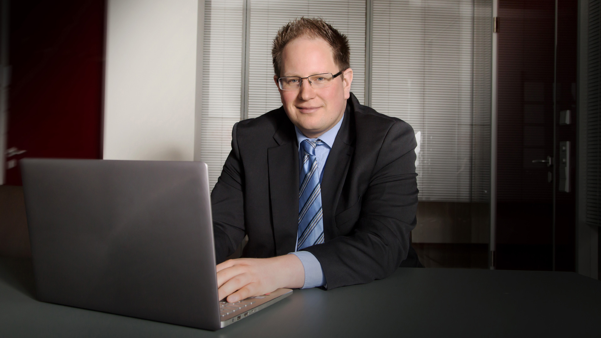 Dr. Stefan  Peintinger