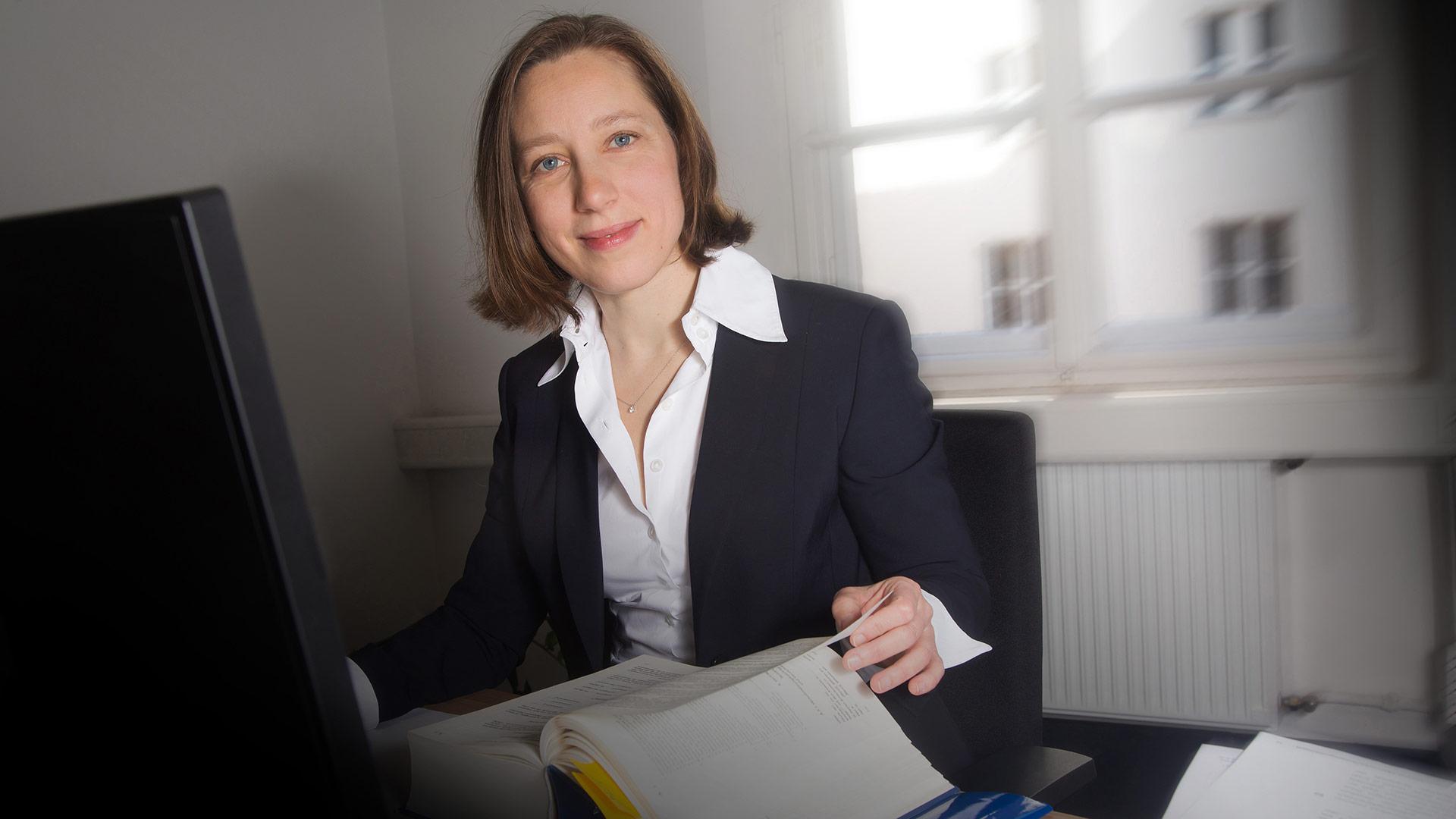 Dr. Angela  Poschenrieder