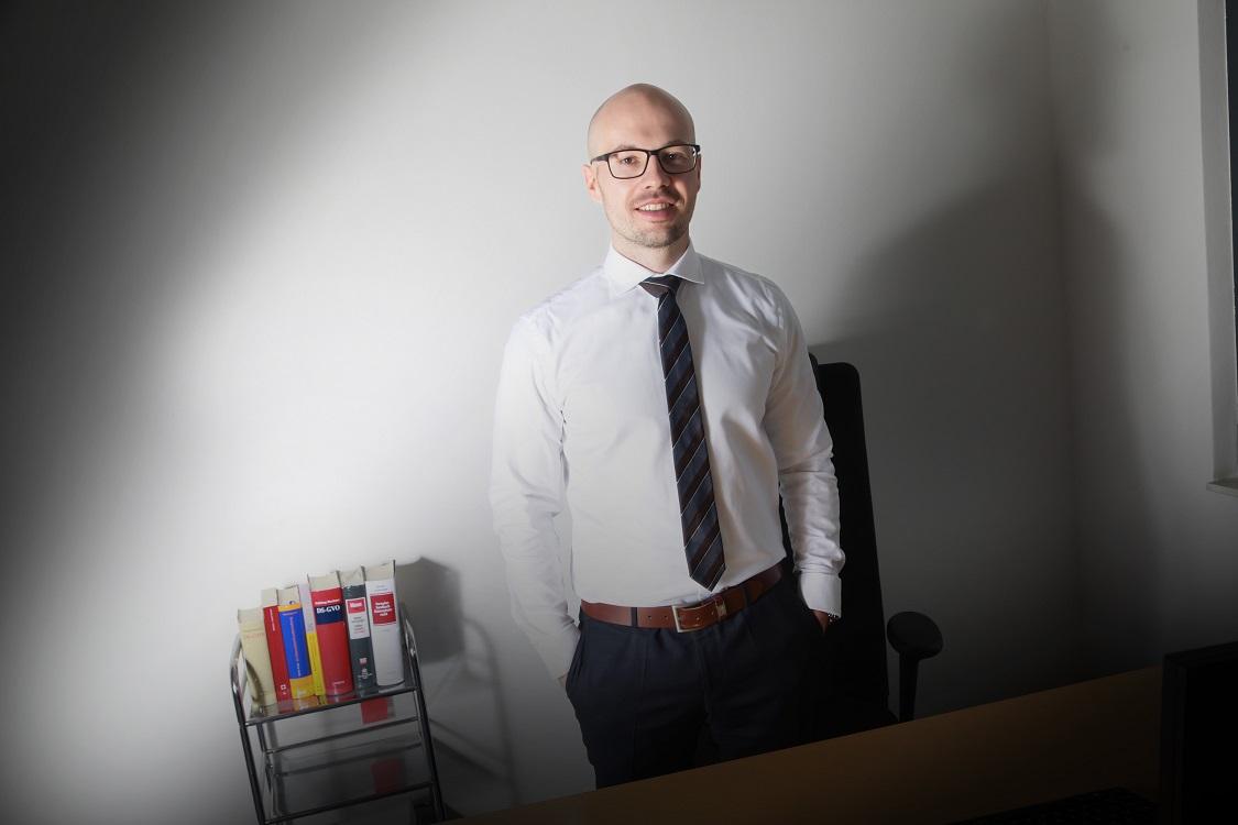 Dr. Hendrik  Skistims