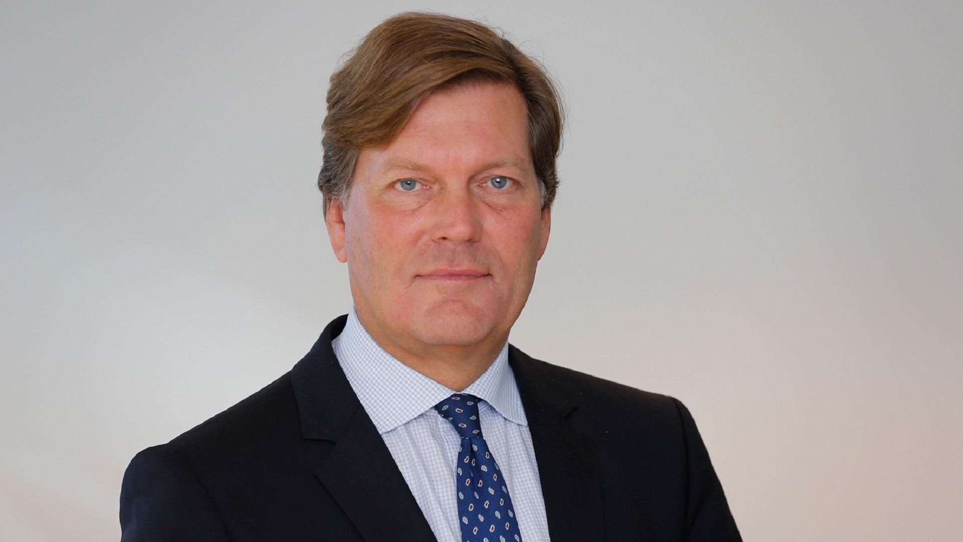 Dr. Alexander  Schmid-Lossberg